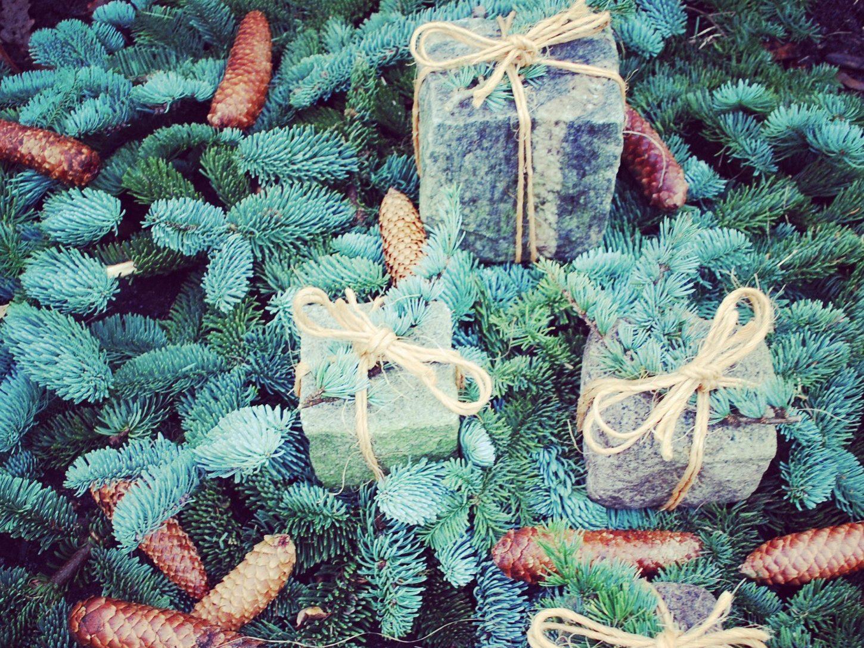 PLASTIC FREE CHRISTMAS DECORATION